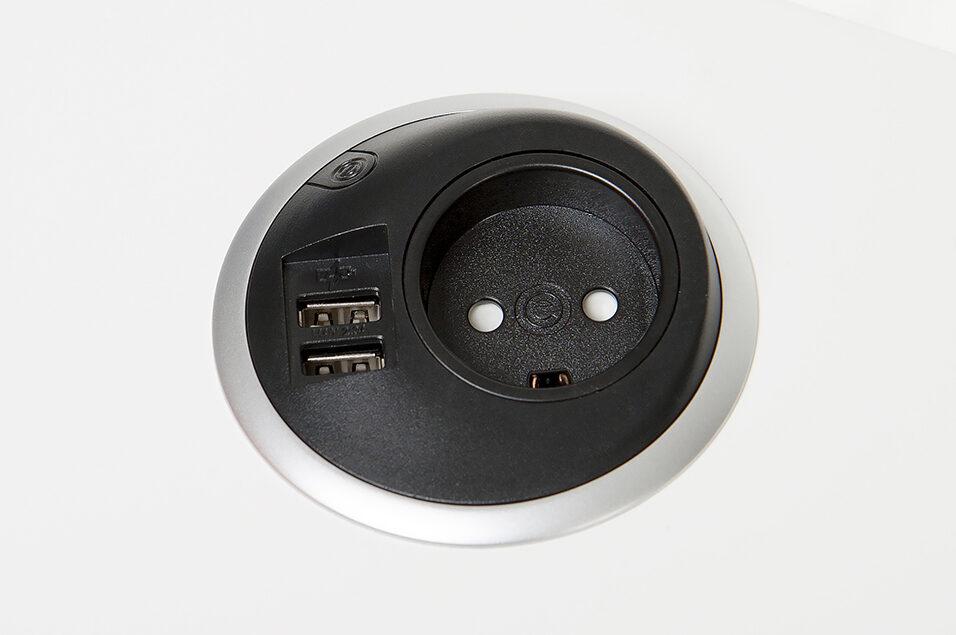 sort oplader til bordet med USB